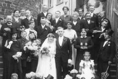 T-142-Gustav-Lemke-Frieda-Fromming-Wedding-06.05.1932