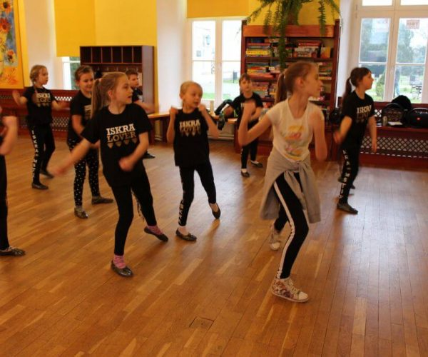 Formacja-tanca nowoczesnego-trzebiatow (16)