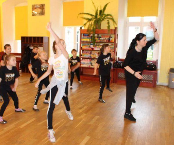 Formacja-tanca nowoczesnego-trzebiatow (17)
