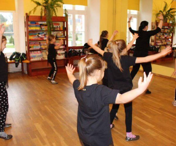 Formacja-tanca nowoczesnego-trzebiatow (18)