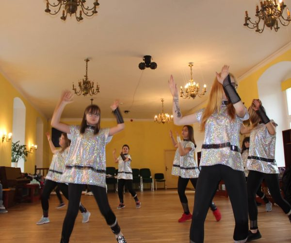 Formacja-tanca nowoczesnego-trzebiatow (2)
