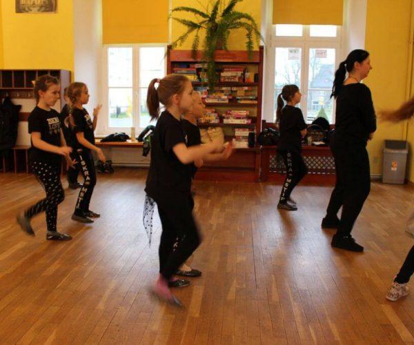 Formacja-tanca nowoczesnego-trzebiatow (20)