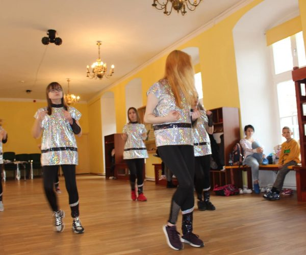 Formacja-tanca nowoczesnego-trzebiatow (3)